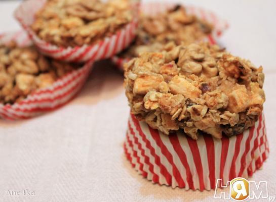Рецепт Яблочно-финиковое пирожное