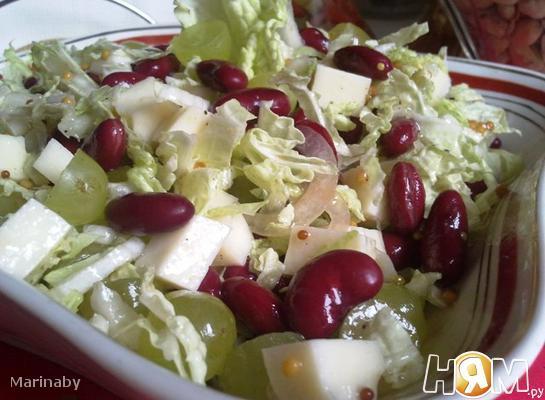 Рецепт Салат из фасоли, сыра и винограда