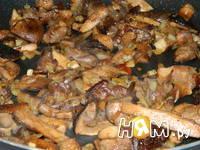 Приготовление блинчиков с грибами: шаг 3