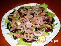 Приготовление салата со свеклой и сельдью под соусом: шаг 10