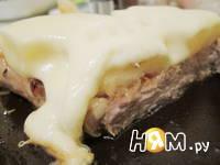 Приготовление свиной корейки под ананасами с сыром: шаг 7