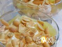 Приготовление салата к Новому году с киви и арахисом: шаг 3