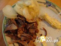 Приготовление рулетиков из свинины с грибами: шаг 2