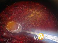 Приготовление соуса клюквенного: шаг 4