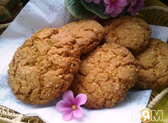 Печенье овсяное с кунжутом