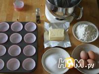 Приготовление ванильных капкейков: шаг 1