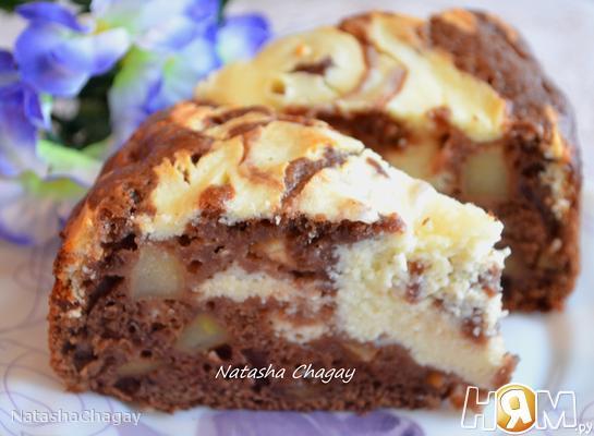 Пирог с творожной начинкой и яблоками