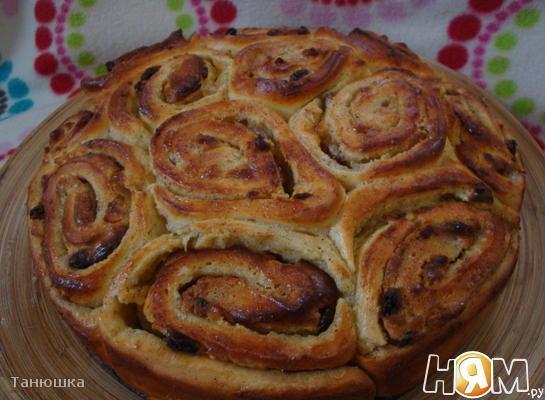 """""""Пирог"""" из булочек с заварным кремом"""