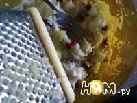 Приготовление салата из редьки и граната: шаг 2