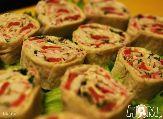 Рецепт Рулеты из лаваша с крабовым мясом и красной рыбой