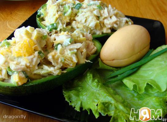 Салат из авокадо курицы и апельсина