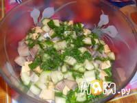 Приготовление салата из сельди с сухариками: шаг 5