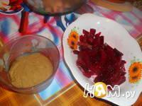Приготовление салата из сельди с сухариками: шаг 6