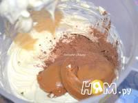 Приготовление шоколадного торта с орехами: шаг 6