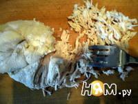 Приготовление паштета - салата из курицы с орехами: шаг 1
