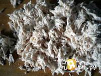 Приготовление паштета - салата из курицы с орехами: шаг 2