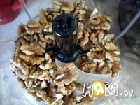Приготовление паштета - салата из курицы с орехами: шаг 3