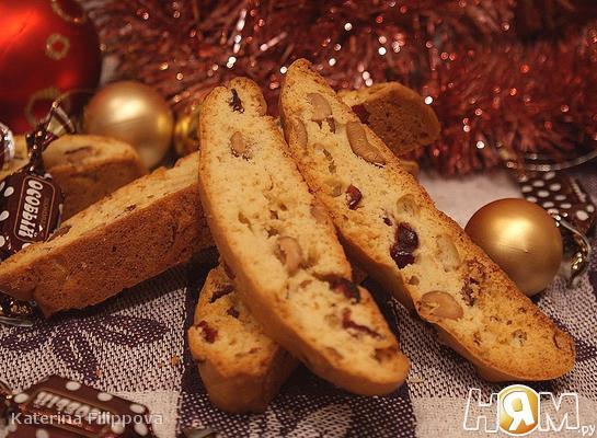 Рецепт Бискотти с вяленой клюквой и орехами кешью