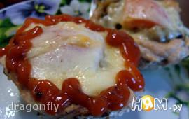 Куриные маффины с грибами и винным соусом