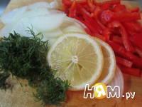 Приготовление камбалы, запеченной с овощами: шаг 3