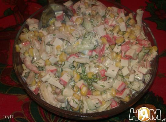 Рецепт Салат с креветками, кальмаром, крабовыми палочками
