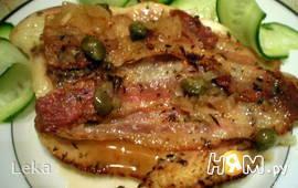 Рыба с беконом, каперсами и шалфеем
