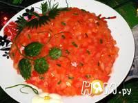 Приготовление салата с копченой курицей и сыром: шаг 7