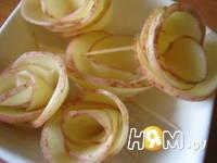 Приготовление салата с семгой и жареным картофелем: шаг 6