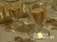 Приготовление десерта из творога и печенья: шаг 4