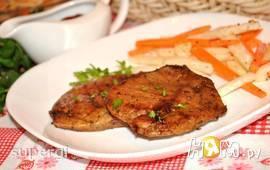 Свиной стейк-гриль с ароматными травами
