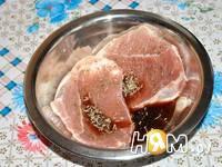 Приготовление свиного стейка-гриля: шаг 2