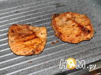 Приготовление свиного стейка-гриля: шаг 3