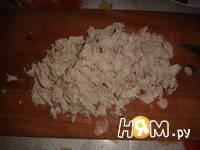 Приготовление слоеного салата с курицей и кукурузой: шаг 2