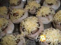 Приготовление шампиньонов фаршированных курицей: шаг 5