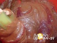 Приготовление шоколадных макаронс: шаг 11