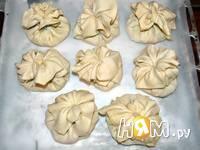 Приготовление рецепта Мешочки с индейкой и сыром бри: шаг 6