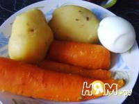 Приготовление салата с тунцом, яйцом и сыром: шаг 1