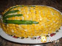 Приготовление салата с яйцом, сыром и кукурузой: шаг 6