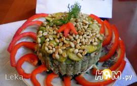 Салат с брюссельской капустой, курицей и овощами