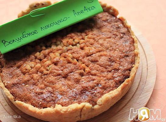 Пирог с медом и кедровыми орехами