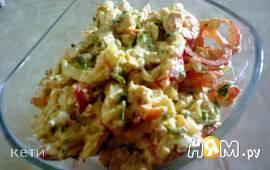 Мясной салат с макаронами