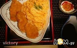 Куриные наггетсы и спагетти в сливочном соусе