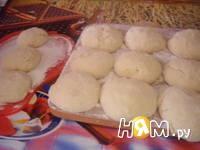 Приготовление булочек с творогом и изюмом: шаг 12
