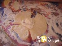 Приготовление булочек с творогом и изюмом: шаг 13