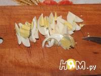 Приготовление салата с яйцами и айсбергом: шаг 5