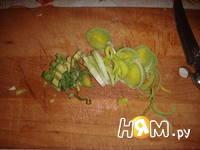 Приготовление салата из кольраби с курицей: шаг 4