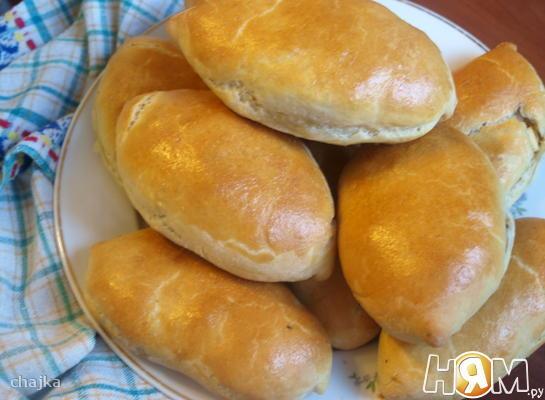 Пирожки дрожжевые с капустой и мясом