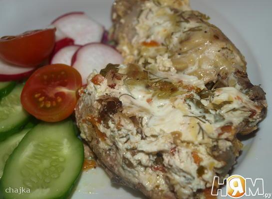 Курица в сметанно-сырном соусе в мультиварке