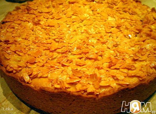 Рецепт Яблочный пирог с миндальной корочкой