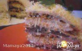Закусочный торт из блинов с мясом и грибами